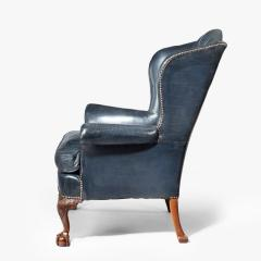 A pair of Chippendale style leather wing armchairs - 1950985