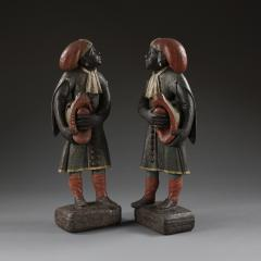 A pair of Dutch East Indian figures - 923165
