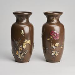 A pair of Japanese Meiji period Bronze vases - 1345887