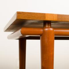 A pair of Mid Century Modern side tables designed by T H Robsjohn Gibbings  - 2055365