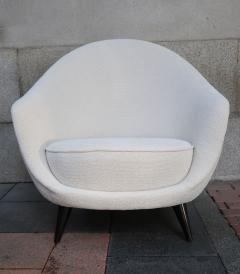 A pair of White wool upholstery and Wood legs italian armchairs 1960 - 1072836