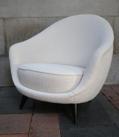 A pair of White wool upholstery and Wood legs italian armchairs 1960 - 1072839