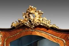 A pair of exhibition quality Napoleon III kingwood vitrines - 778779