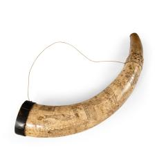 A sailor s carved cow horn - 1511392