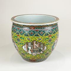 A spectacular 19th Century Chinese porcelain fish bowl - 1779359