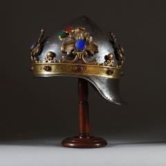 A theatrical prop helmet - 935211