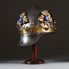 A theatrical prop helmet - 935215