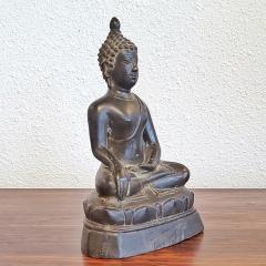 ANTIQUE CAST BRONZE SHAKYAMUNI BUDDHA DISPLAYING THE BHUMISPARSHA MUDRA - 2115692