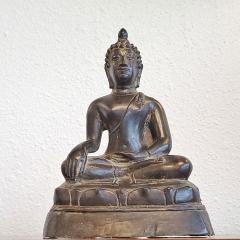 ANTIQUE CAST BRONZE SHAKYAMUNI BUDDHA DISPLAYING THE BHUMISPARSHA MUDRA - 2115693