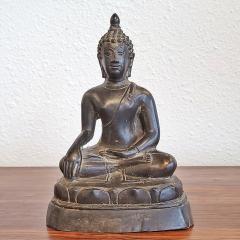 ANTIQUE CAST BRONZE SHAKYAMUNI BUDDHA DISPLAYING THE BHUMISPARSHA MUDRA - 2115694