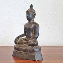 ANTIQUE CAST BRONZE SHAKYAMUNI BUDDHA DISPLAYING THE BHUMISPARSHA MUDRA - 2115695