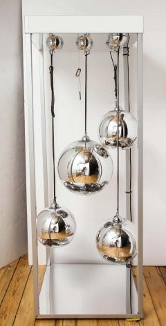 Al Jord o Contemporary Neon Balls Stand Lamp by Brazilian designer Al Jord o - 1271601