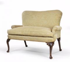 An Early George II Walnut Settee - 1163200