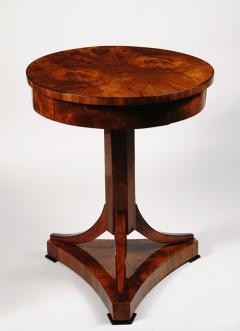 An Elegant Biedermeier Occasional Table - 457717
