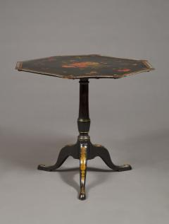 An Extremely Rare Pair Of George III Lacquer And T le Peinte Center Tables - 1376161