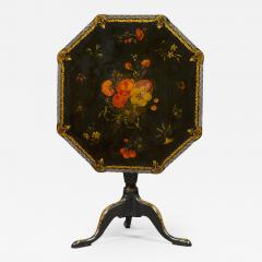 An Extremely Rare Pair Of George III Lacquer And T le Peinte Center Tables - 1379720