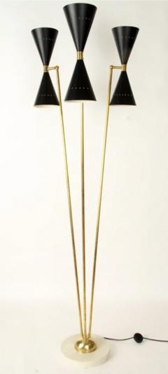 An Italian brass floor lamp in the manner of Stilnovo - 1474562