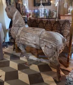 An impressive wood carved horse Mogol period India XVIIth century - 1004453