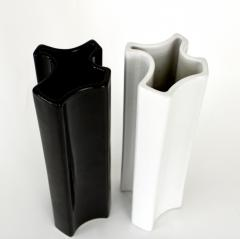 Angelo Mangiarotti Angelo Mangiarotti Black and White Ceramic Vases by Fratelli Brambilla Model M6 - 1343276