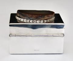 Anthony Redmile ANTHONY REDMILE SILVER PLATE BOX WITH AGATE TOP LONDON CIRCA 1970 - 1672609