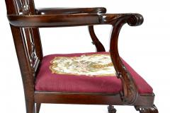 Antique 19th Century English Chippendale Mahogany Armchair  - 1237992
