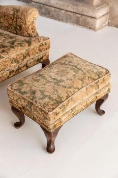 Armchair and Its Ottoman - 1738511