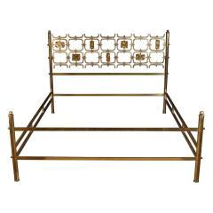Arnaldo Pomodoro Osvaldo Borsani Elegant Bed with Brass Details by Arnaldo Pomodoro 1950 - 1910400
