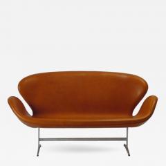 Arne Jacobsen AJ 3321 Swan Sofa - 355748