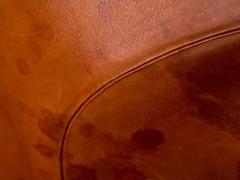 Arne Jacobsen Arne Jacobsen Pot Chair in Distressed Original Fritz Hansen Cognac Leather - 512597
