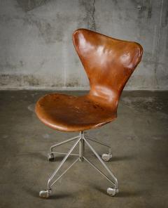 Arne Jacobsen Arne Jacobsen Sevener Swivel Desk Chair - 194107