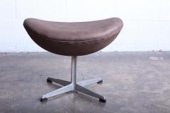 Arne Jacobsen Egg Chair and Ottoman by Arne Jacobsen for Fritz Hansen - 1537248