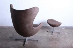 Arne Jacobsen Egg Chair and Ottoman by Arne Jacobsen for Fritz Hansen - 1537255