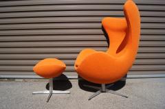 Arne Jacobsen Egg Chair and Ottoman by Arne Jacobsen for Fritz Hansen - 1913762