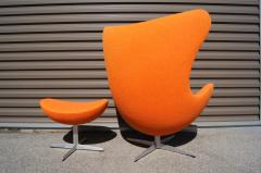 Arne Jacobsen Egg Chair and Ottoman by Arne Jacobsen for Fritz Hansen - 1913763