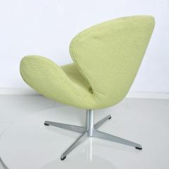 Arne Jacobsen Mid Century Modern Original Iconic Swan Chairs Arne Jacobsen for Fritz Hansen - 1239621