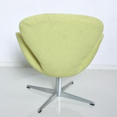 Arne Jacobsen Mid Century Modern Original Iconic Swan Chairs Arne Jacobsen for Fritz Hansen - 1239623