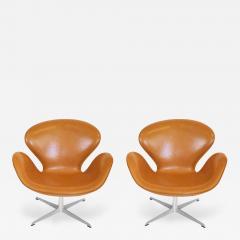 Arne Jacobsen Pair of Original Swan Chairs by Arne Jacobsen in Saddle Tan Leather - 182025