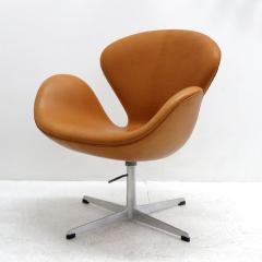 Arne Jacobsen Swan Chair Model 3320 By Arne Jacobsen For Fritz Hansen