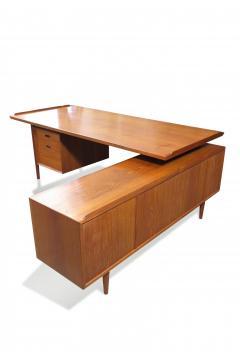 Arne Vodder Arne Vodder Desk Executive Desk with Credenza in Teak - 1671196