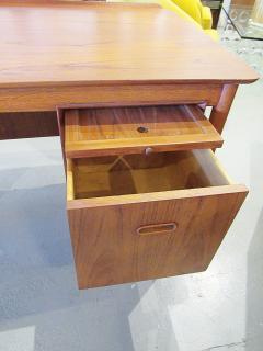 Arne Vodder Danish Modern Teak Desk with Bookcase Back Arne Vodder - 666483