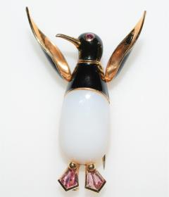 Articulated Penguin Brooch 18K Enamel and Agate - 1151821
