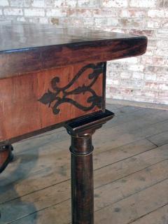 Baroque 17th Century Italian or Maltese Marquetry Center table or Desk - 1300960