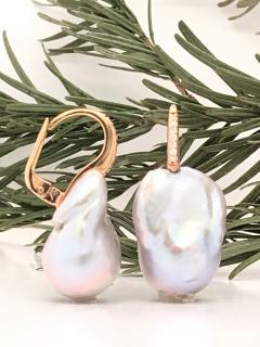 Baroque Pearl With White Diamond On Rose Gold 18 Karat Drop Earring - 1203683