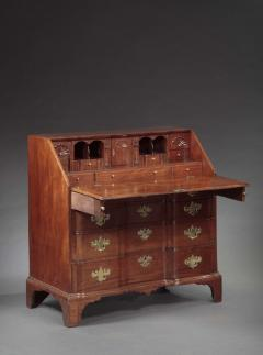 Benjamin Frothingham CHIPPENDALE BLOCK FRONT DESK Attributed to Benjamin Frothingham - 1395711