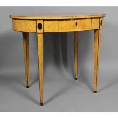 Biedermeier Karelian Birch Center Table - 1532703