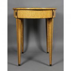 Biedermeier Karelian Birch Center Table - 1532704
