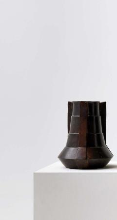 Bronze Vase by Lupo Hori kami - 1784922