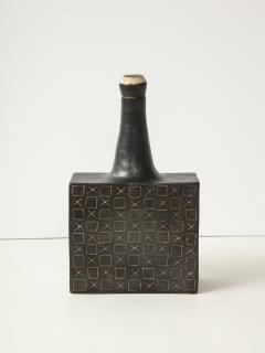 Bruno Gambone Black square ceramic vessel by Bruno Gambone - 1509792