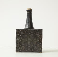 Bruno Gambone Black square ceramic vessel by Bruno Gambone - 1509794