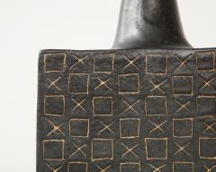 Bruno Gambone Black square ceramic vessel by Bruno Gambone - 1509796